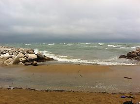 Bibione - Gewitterstimmung am Strand vor dem Faro (1)