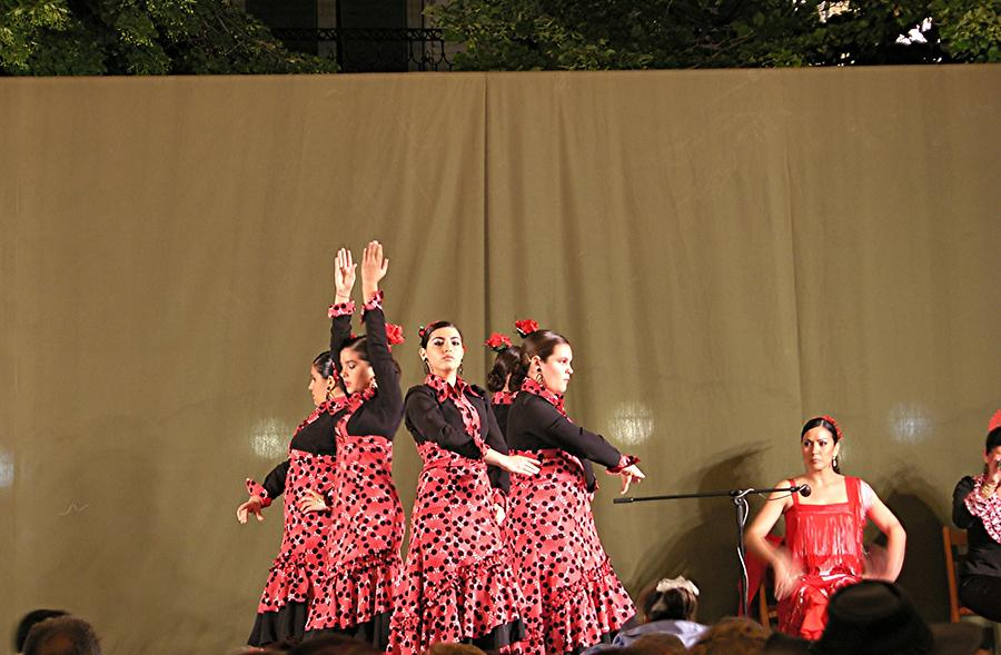 Granada – Flamenco on the Bip Rambla Square