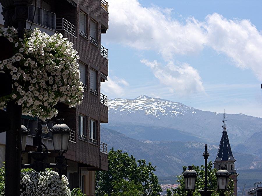 Granada – Snowcapped Sierra Nevada mountains