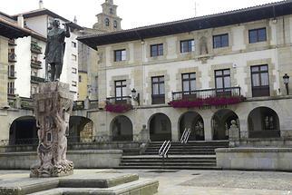 Guernica Main Square (2)