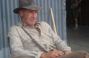 Harrison Ford als Indiana Jones am Set des vierten Kinofilms
