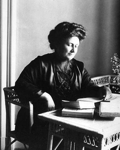 maria montessori essays Maria montessori case - biography essay example this month marks the 100th anniversary this month that maria montessori opened.