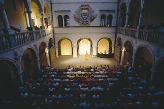 Schloss Porcia, Komödienspiele