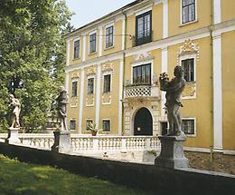 Schloss Harmannsdorf bei Horn
