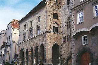 Krems, Gozzoburg (gotisches Stadthaus)