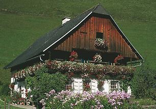 Aflenz Haus mit Blumenschmuck