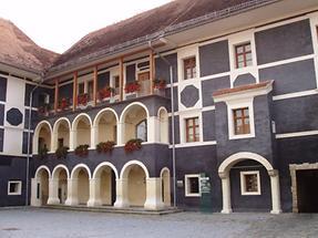 Pfeilburg mit Museum