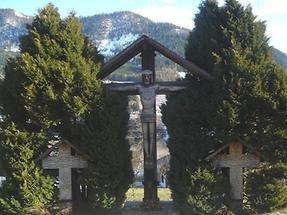 Kreuz im Friedhof