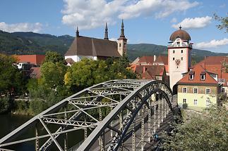 Murbrücke mit Schwammerlturm
