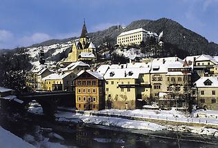 Murau mit Schloss (Winteransicht)