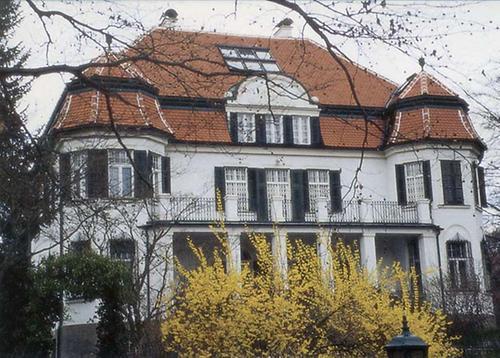gef hrdete villen architektur isg kunst und kultur im austria forum. Black Bedroom Furniture Sets. Home Design Ideas