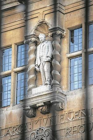 Cecil Rhodes an der Fassade des Oriel College in Oxford