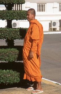 Theravada-monk in the king's palace