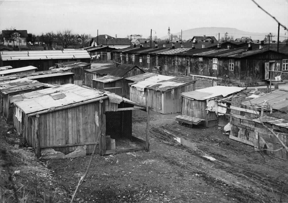 barackensiedlung barackenlagern kriegsende bilder im. Black Bedroom Furniture Sets. Home Design Ideas
