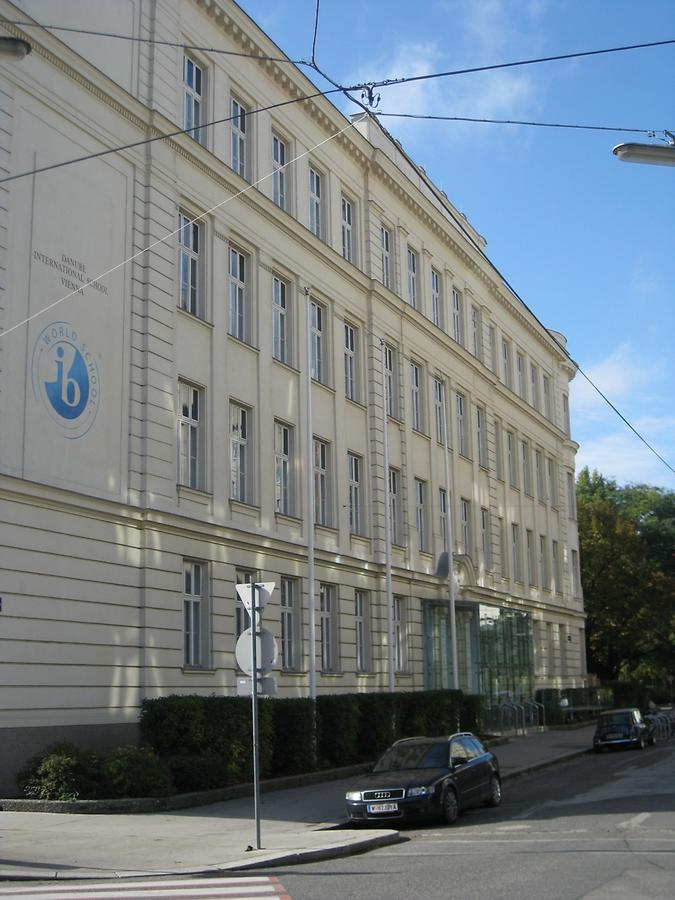 Danube International School
