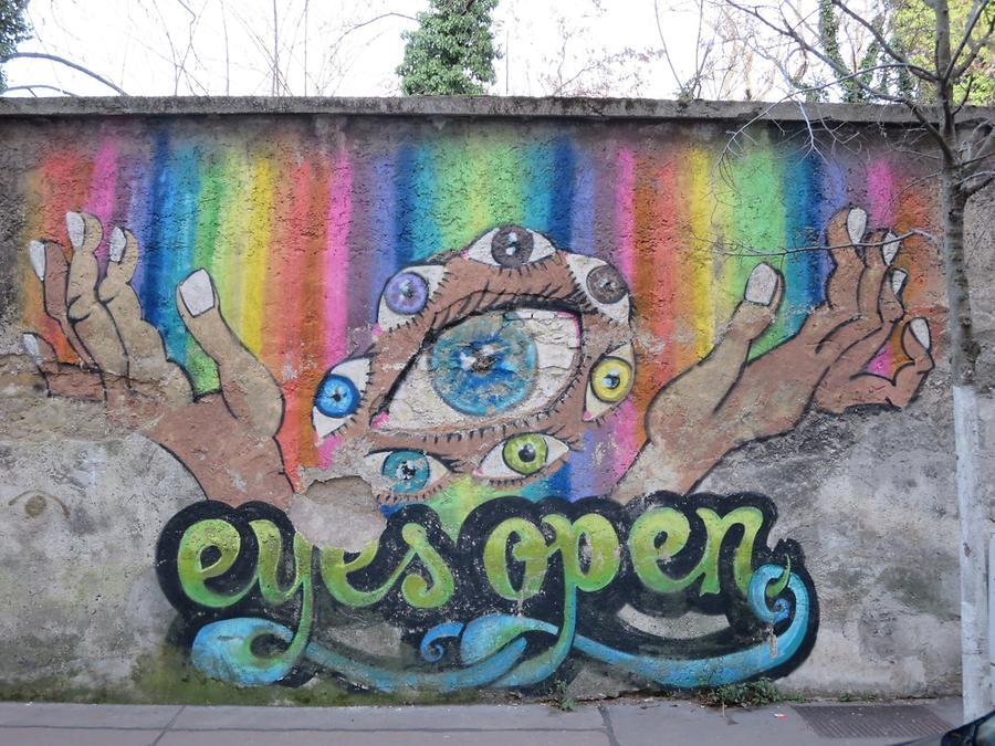 Graffito 'eyes open'