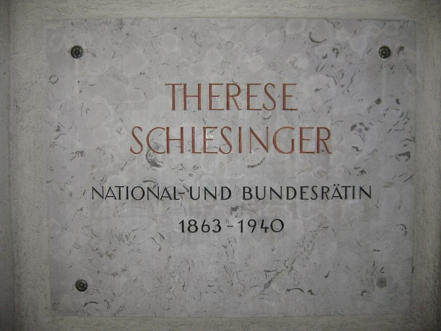 Therese Schlesinger Gedenktafel I