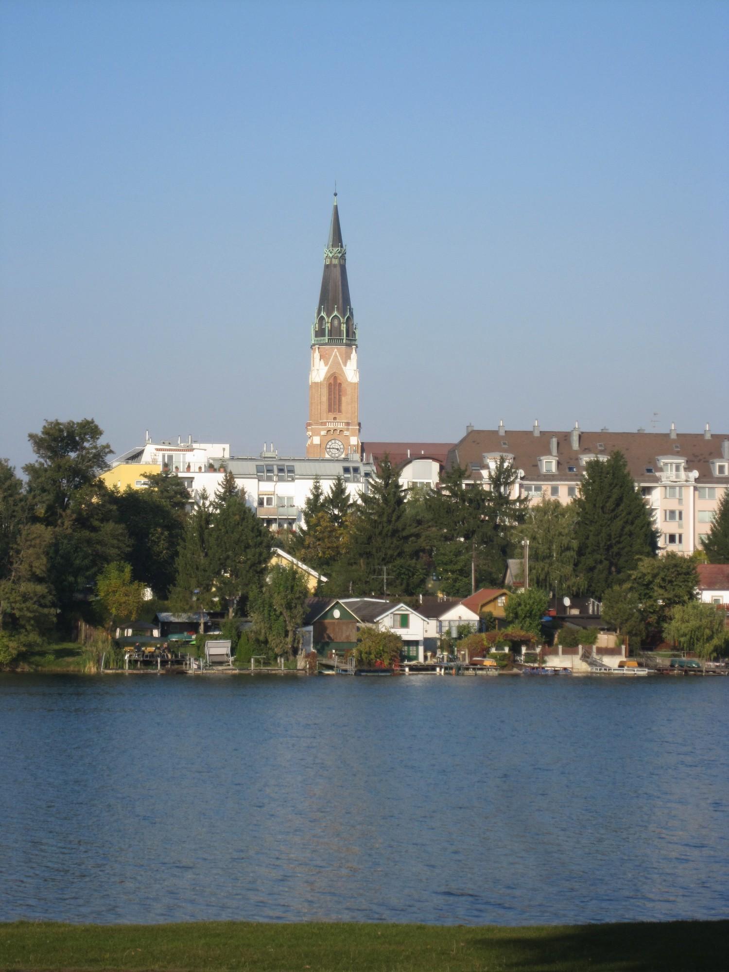 Obere Alte Donau Mit Donaufelder Kirche 21 Bezirk Bilder Im