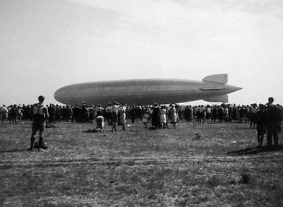luftschiff graf zeppelin 3 aspern historische bilder imagno bilder im austria forum. Black Bedroom Furniture Sets. Home Design Ideas