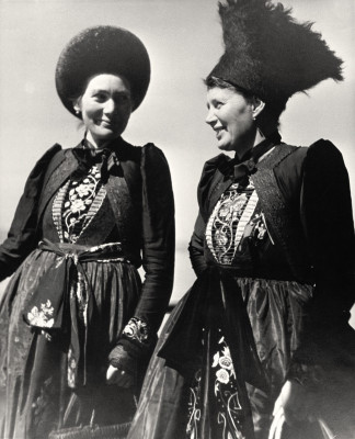 Frauen in Montafoner Tracht, © IMAGNO/Austrian Archives
