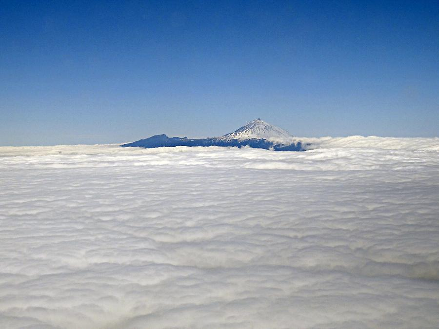 Teide above the clouds
