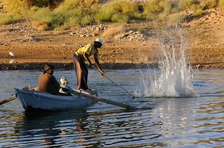 Lake Nasser - Fishermen (1)