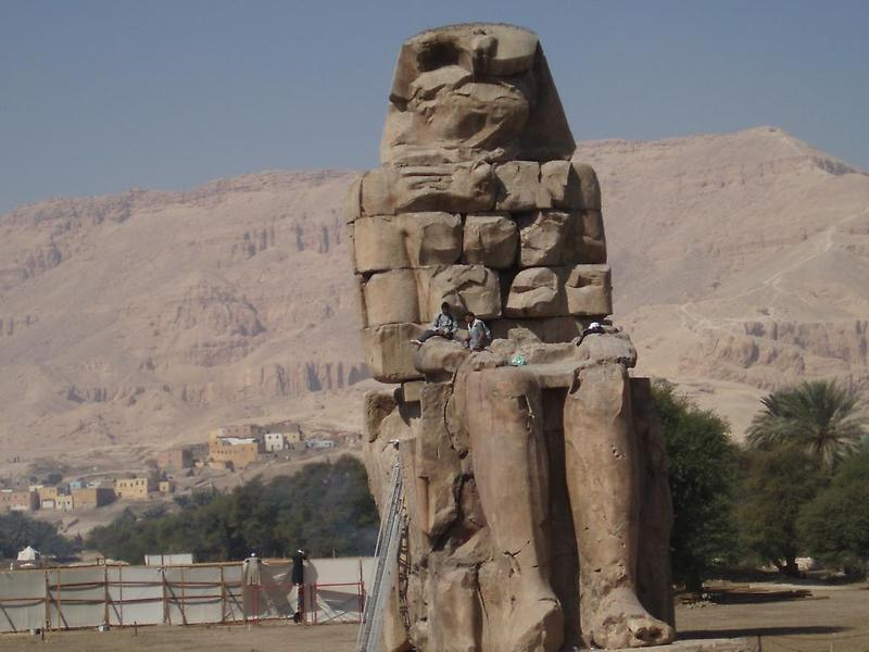 Statue of Amenhotep III (1)