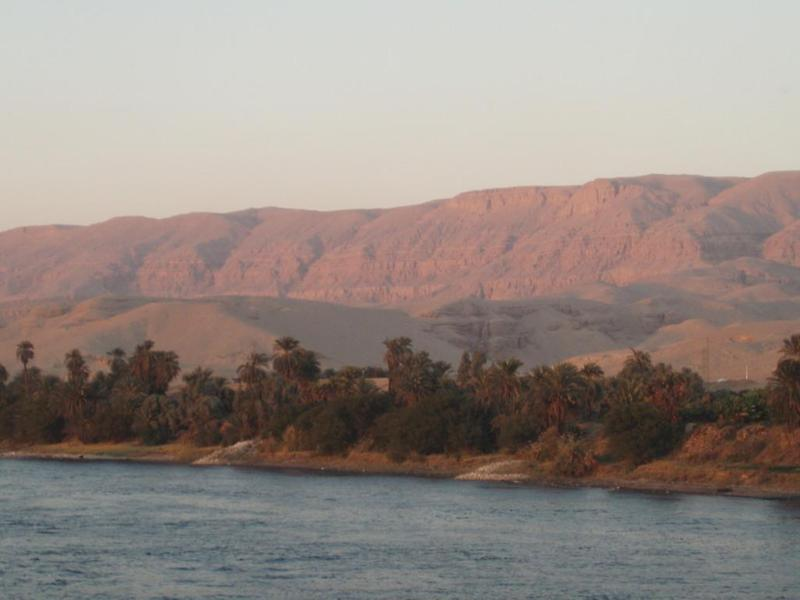 Sunset, south of Luxor (1)
