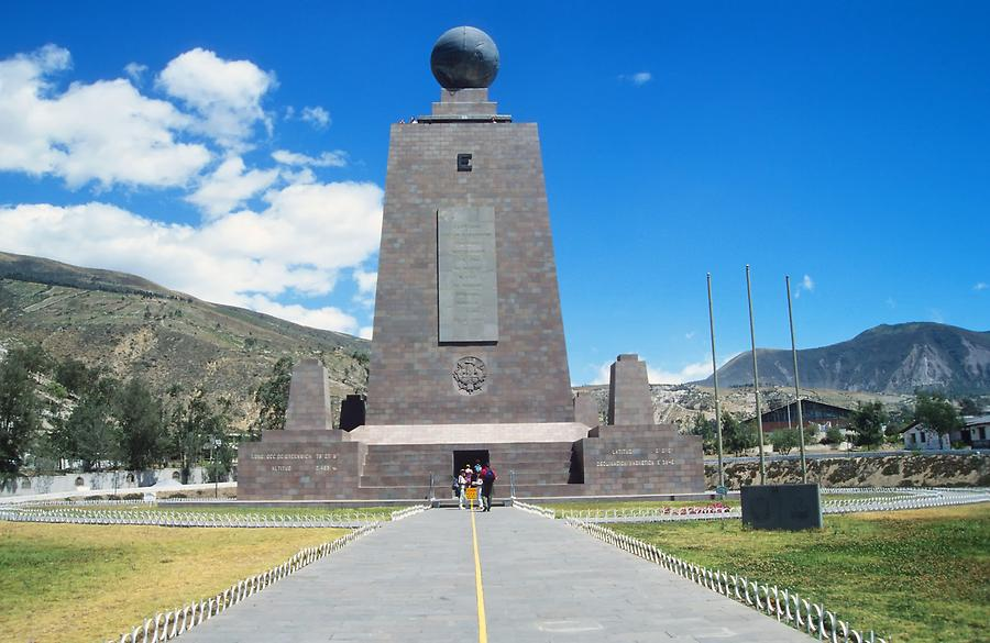 Monument to the Equator