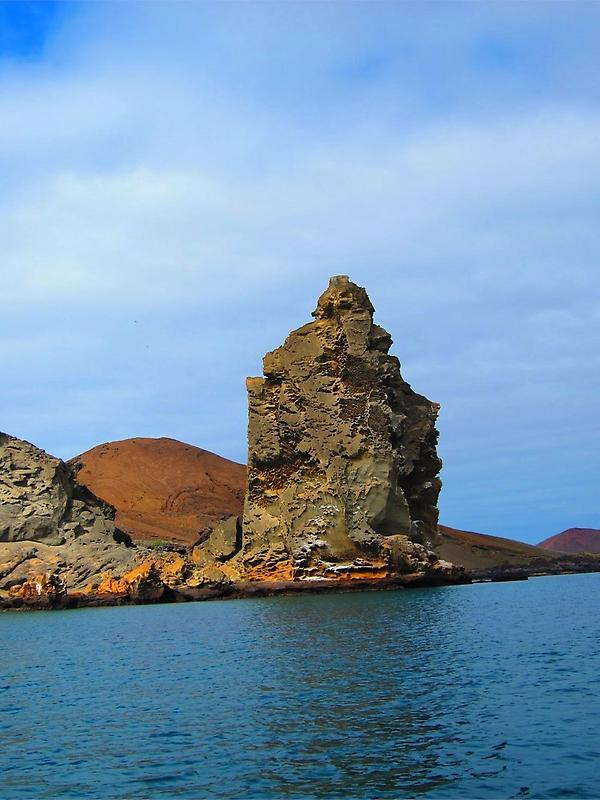Bartholomew Islands Pinnacle Rock (1)