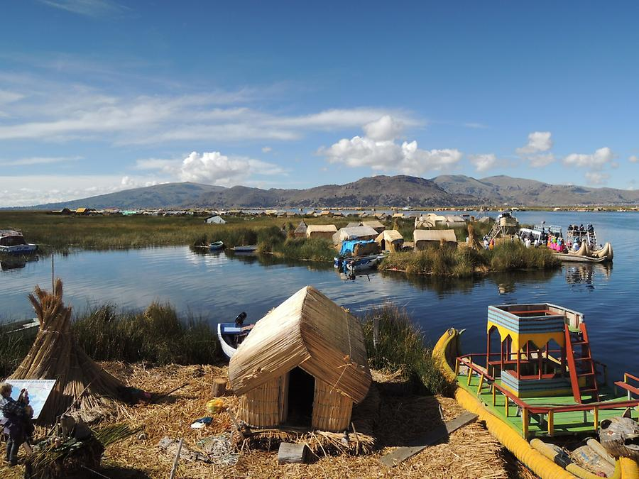 Uro-Settlement at Lake Titicaca