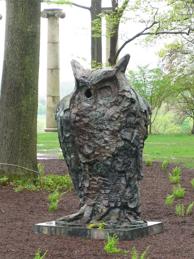 Cornwall-on-Hudson Storm King Art Park Standing Owl von Thomas Houseago
