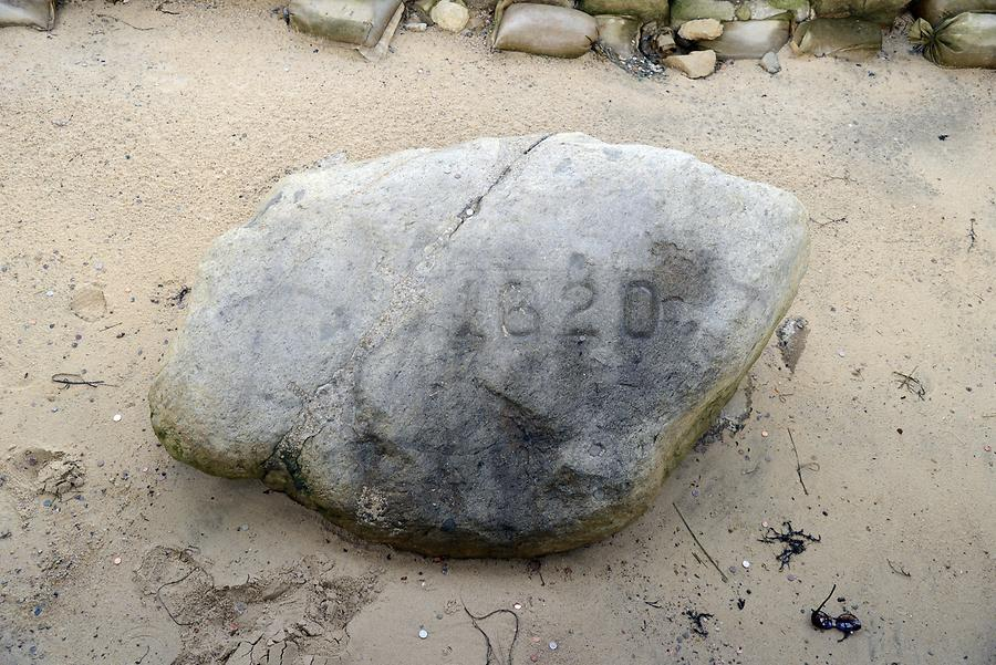 Plymouth - Memorial Stone '1620'