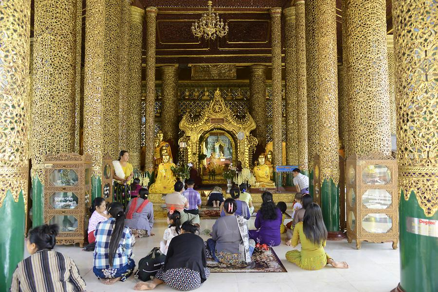 Shwedagon Buddha shrine
