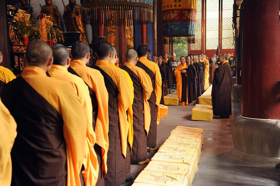 Lingyin Temple - Monks