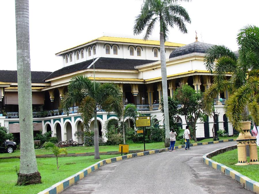 Medan - Maimun Palace, the Sultan's Palace