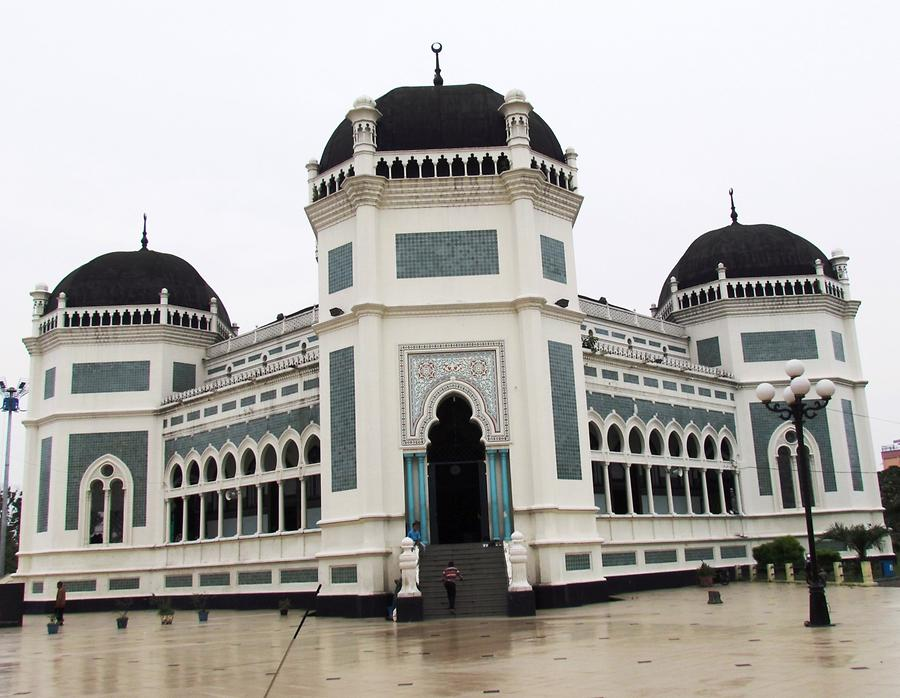 Medan - Masjid Raya Al Mashun, the Great Mosque of Medan
