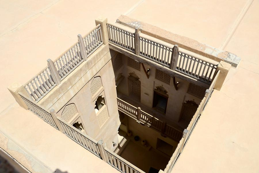 Jabrin - Castle; Courtyard