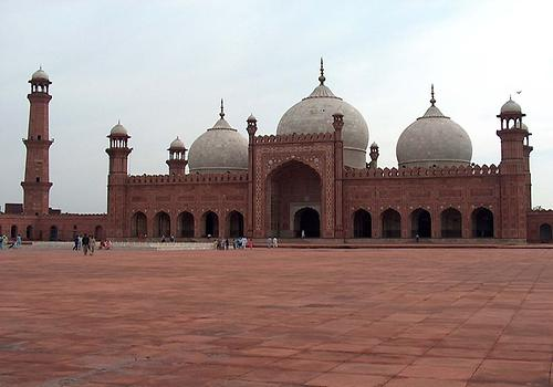 Badshahi Masjid, Photo: Ali Imran, from Wikicommons