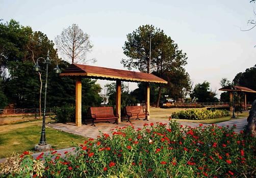 Rest area in the park, Photo: Raja Nisar Ahmed from Pakistan Tours Guide