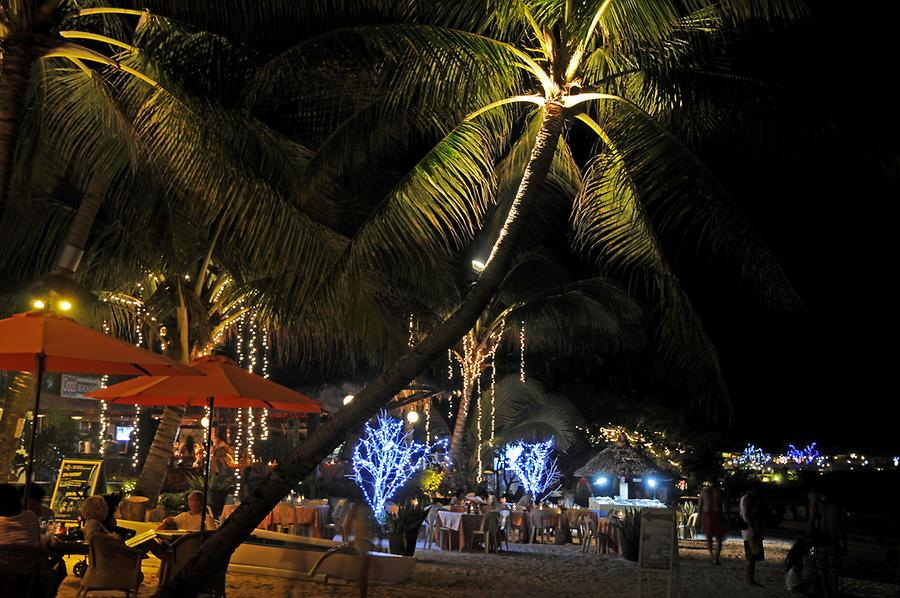 Alona Beach restaurants