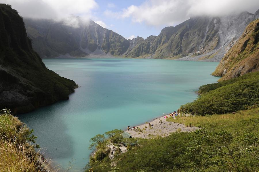 Crater lake Pinatubo