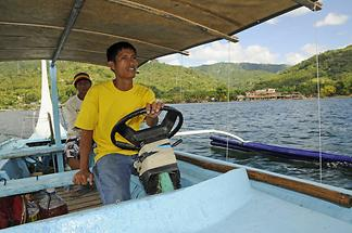 Boat ride Taal Lake