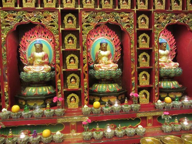 Buddha Tooth Relic Temple (2)