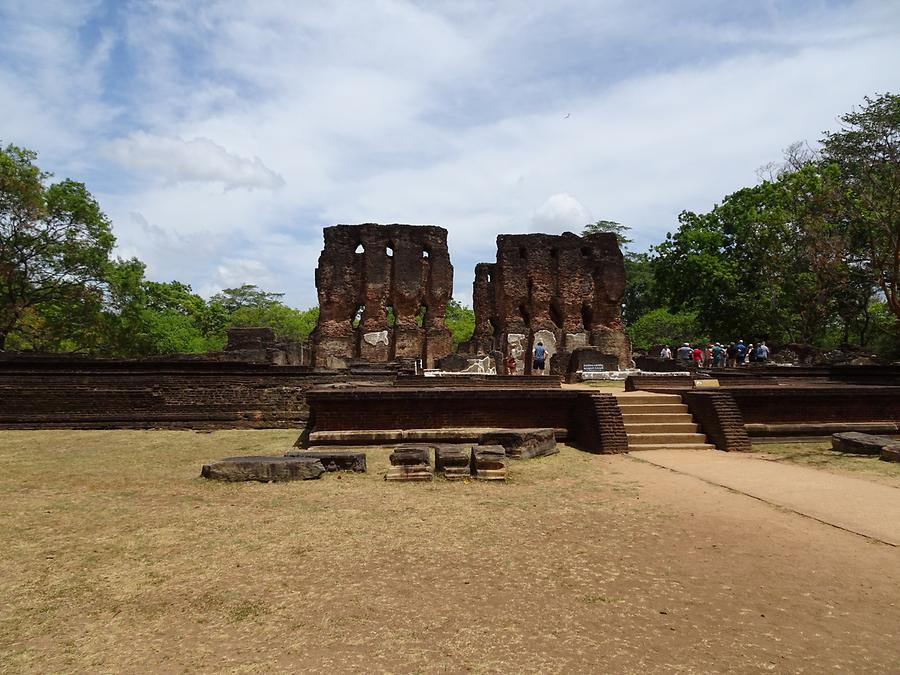 Polonnaruwa - Ancient Royal City; Royal Palace