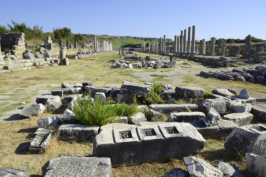 Perge - Colonnaded Street