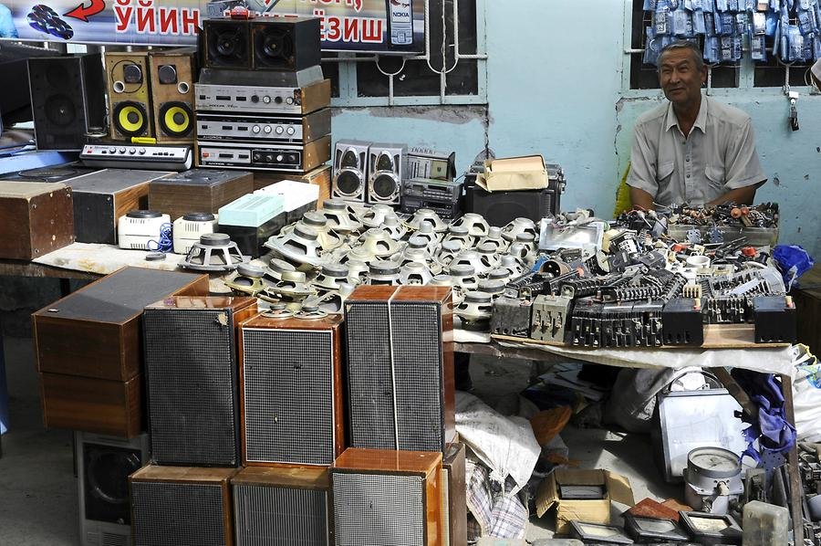 Kokand - Market for Electrical Appliances