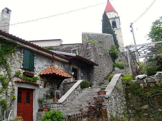 Town of Veprinac, a medieval town 500 meters above sea level. It can be reached by hiking trails from Opatija. Opatija, Croatia. 2014. Photo: Clara Schultes