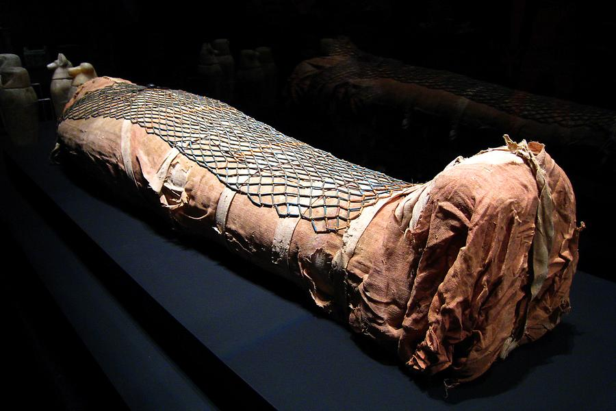 Royal Tombs - Mummy