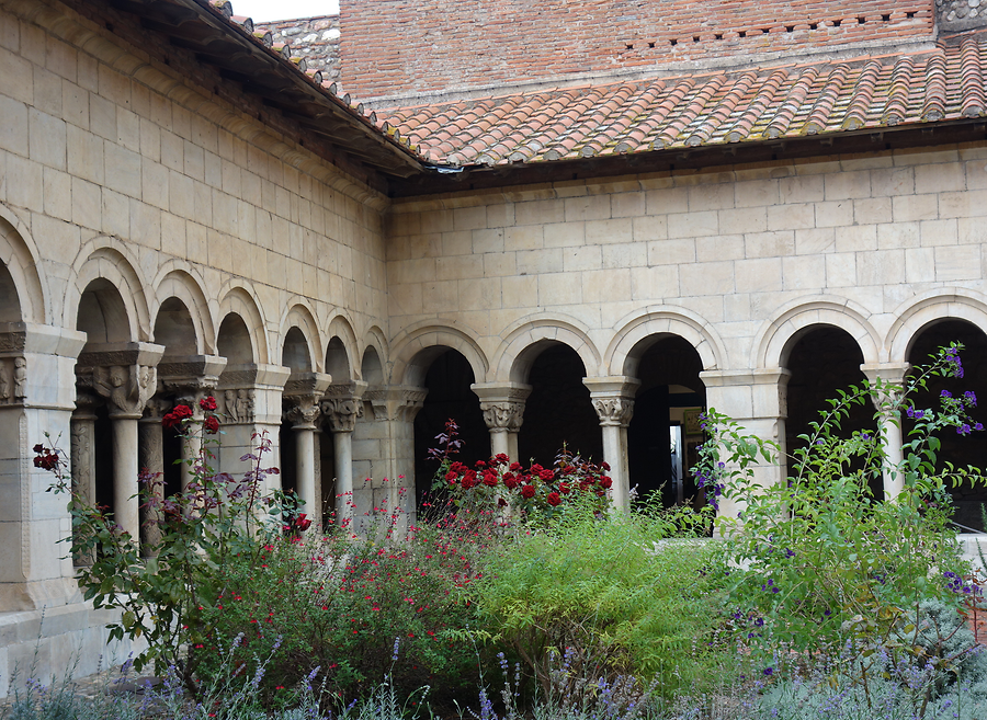 Cloister of Elne, Photo: H. Maurer, 2015